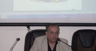 السيد عميد الكلية يلقي محاضرة علمية عن الجوده واتخاذ القرارات الناجحة في مركز دراسات جامعة الكوفة